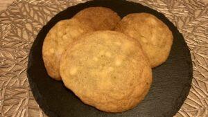 ホワイトチョコレートとマカダミアナッツのしっとりクッキー
